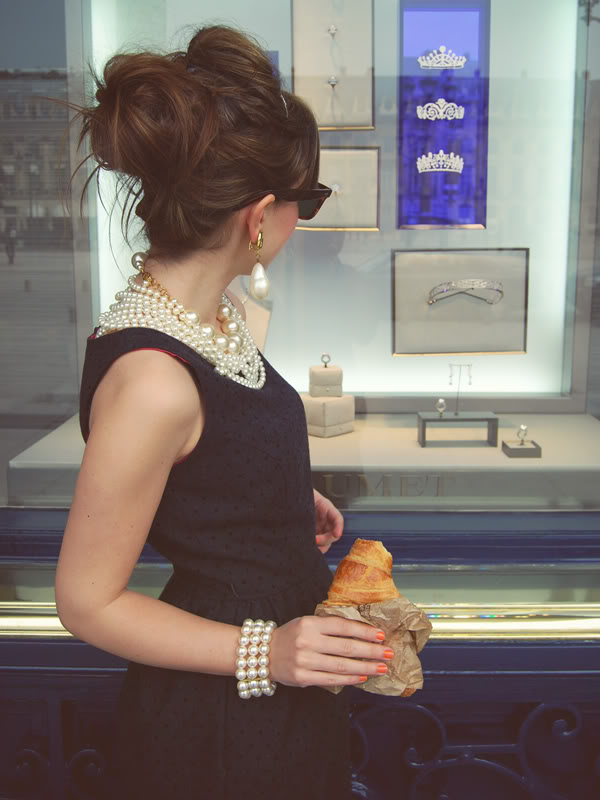 Breakfast-Tiffanys-Place-Vendome