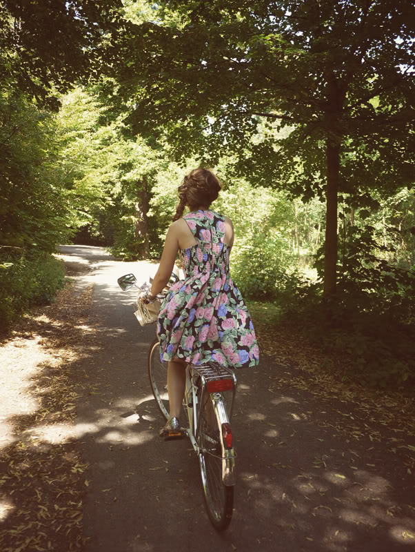 bike flower dress braid