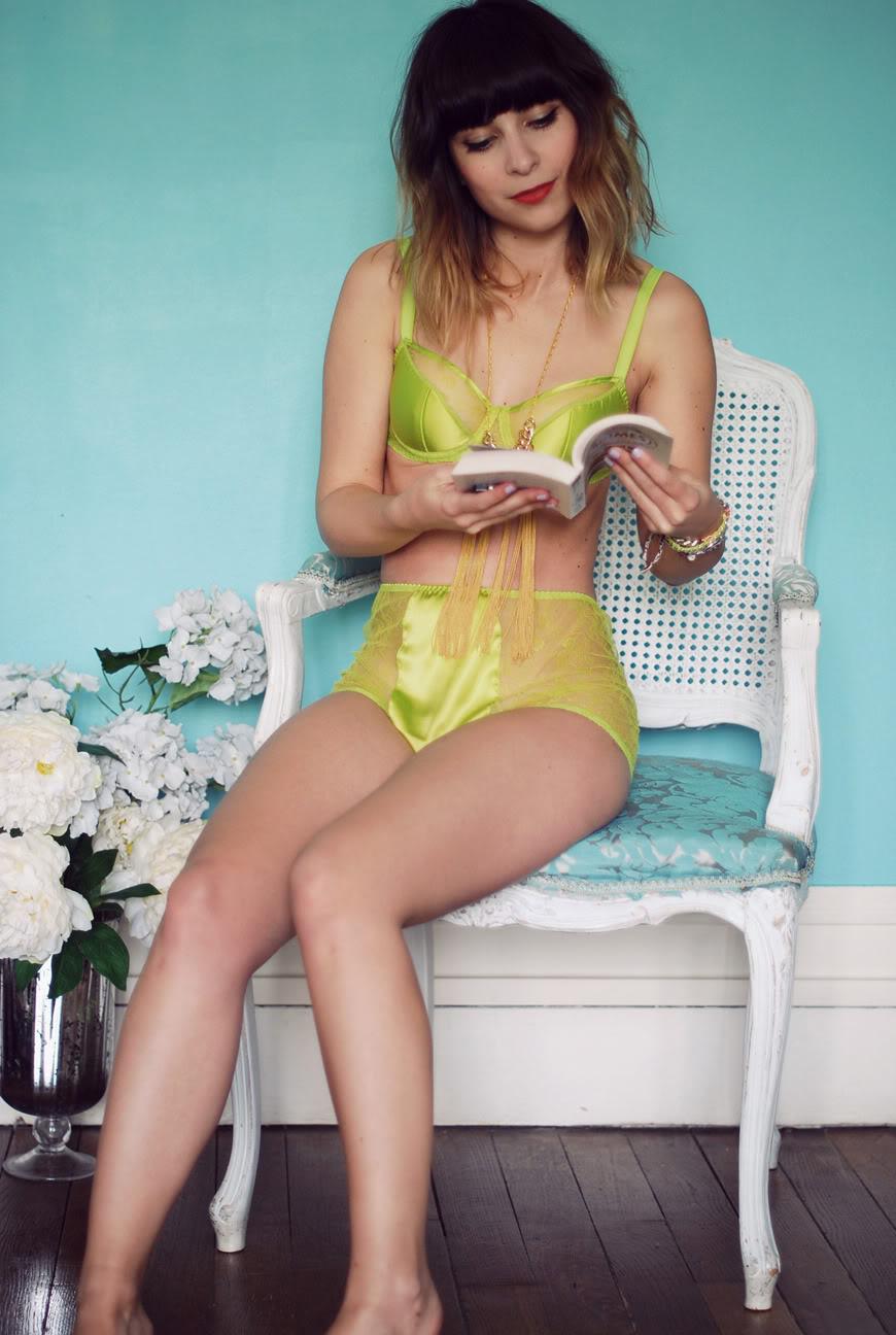 Lemon Curve lingerie neon lime fluo