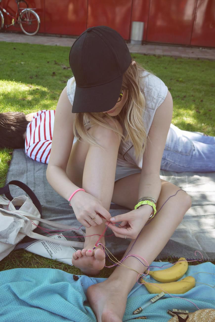 friendship bracelets DIY fun friend