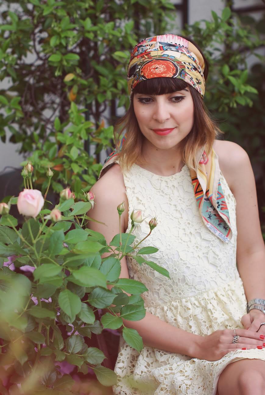 Tête au carré Hermès carré en soie fleurs