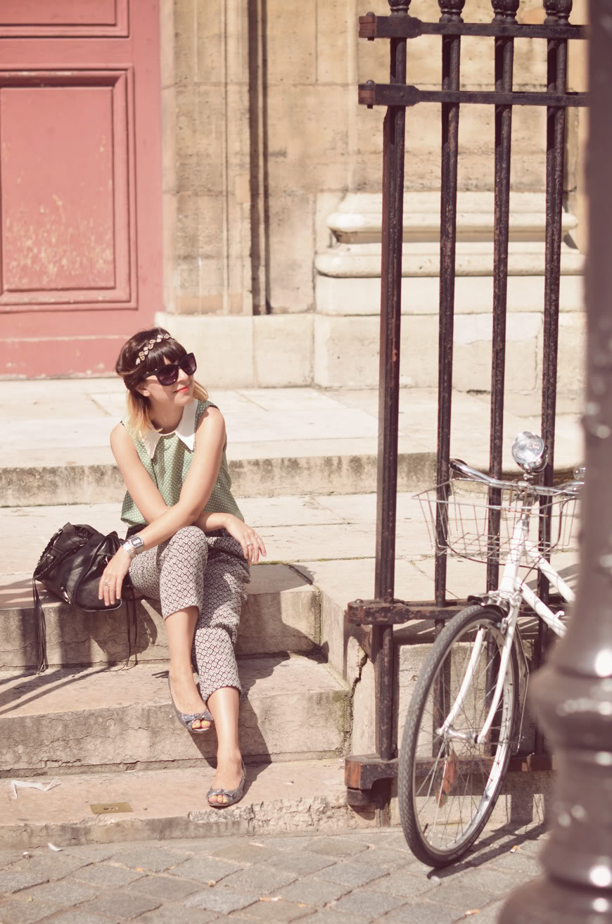 streetstyle bicycles bikes Paris fashion outfit couple cute stroll ride