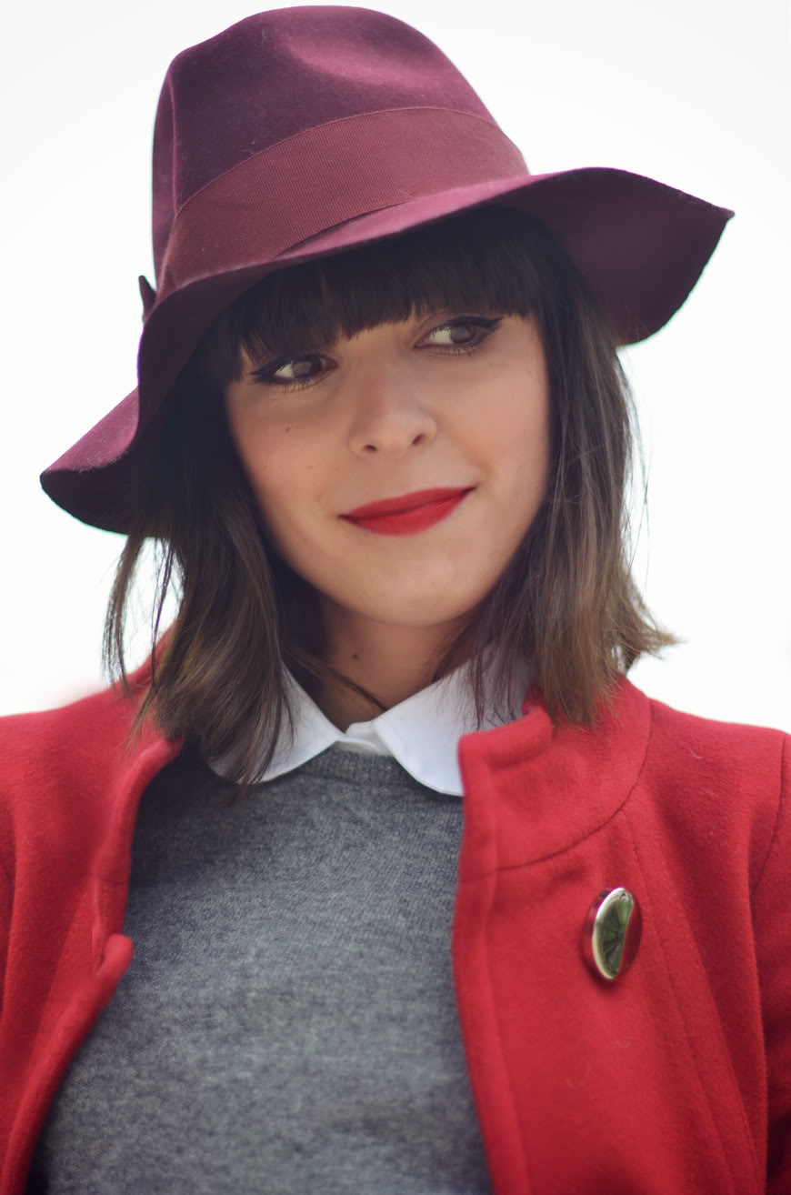 Le rouge Hello it's Valentine streetstyle rouge hat