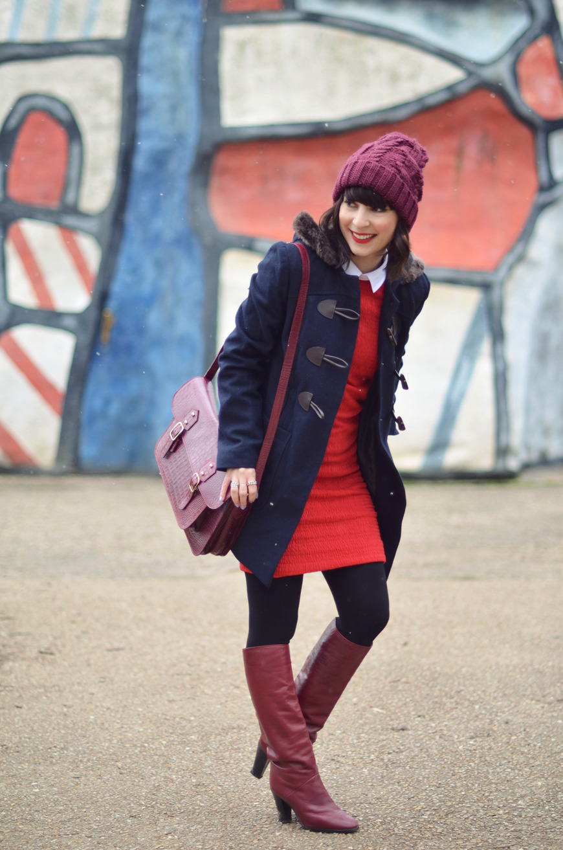 It's all about Helloitsvalentine streetstyle Carven x Petit Bateau robe rouge col blanc Tour aux figures Dubuffet Duffle coat fashion style