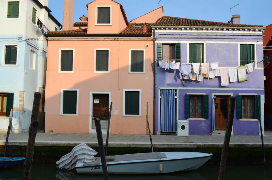 Burano Helloitsvalentine weekend Venise Italie streetstyle look voyage