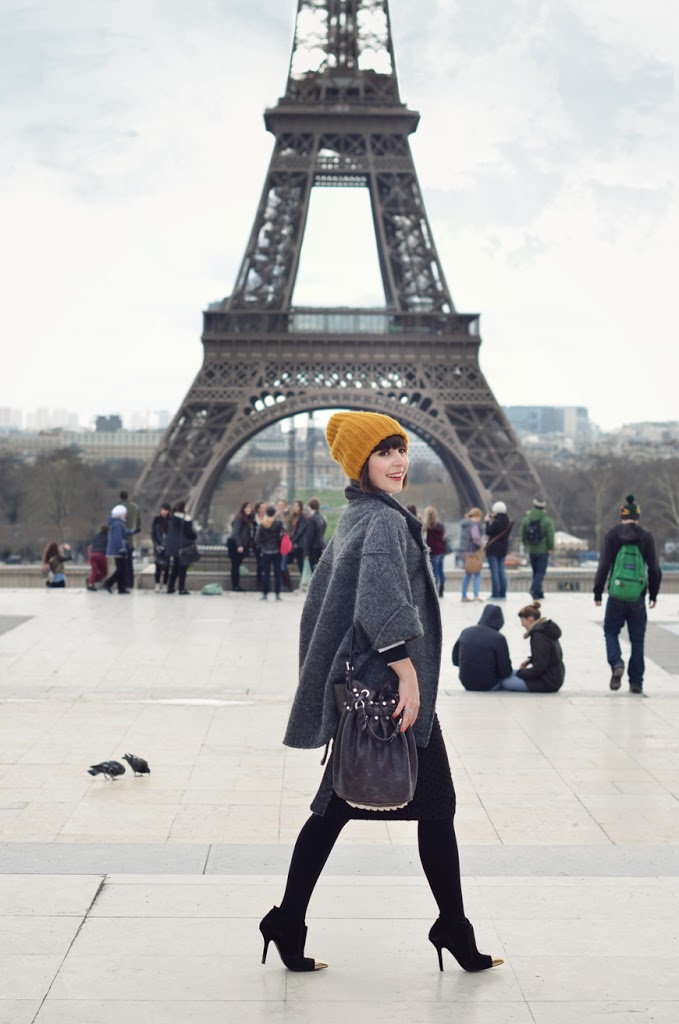 I ♥ Paris Helloitsvalentine streetstyle fashion blog mode Tour Eiffel pencil skirt