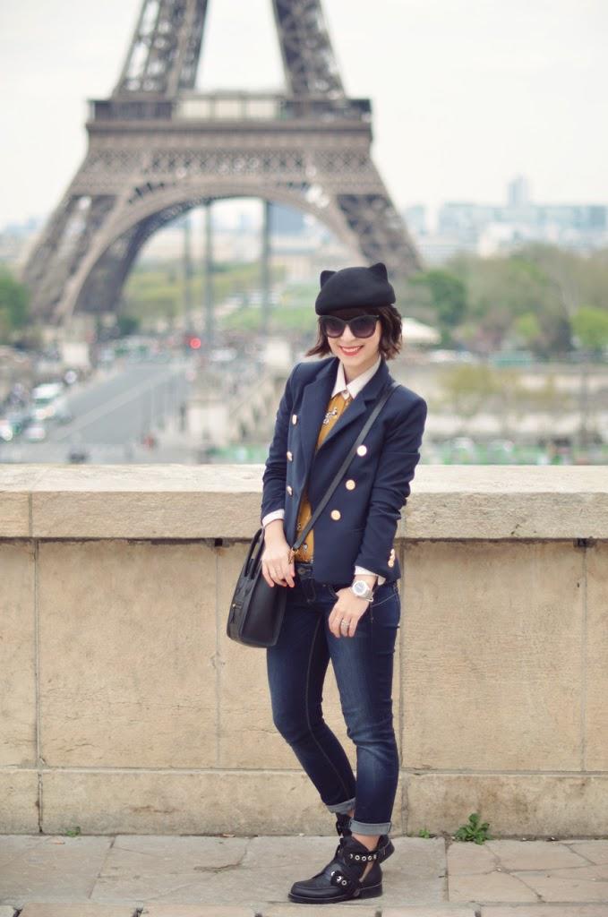Chat perché Helloitsvalentine streetsyle Trocadéro Paris fashion blogger french