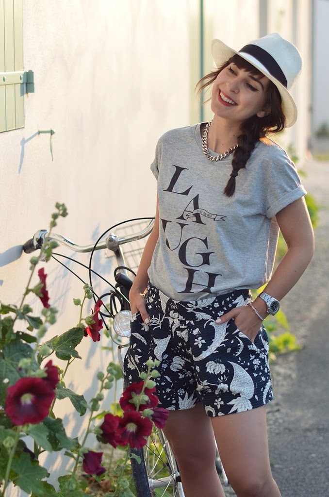 LAUGH is all you need t-shirt Hello it's Valentine collab Ma Demoiselle Pierre lettering outfit streetstyle ile de Ré bicycle vélo panama hat