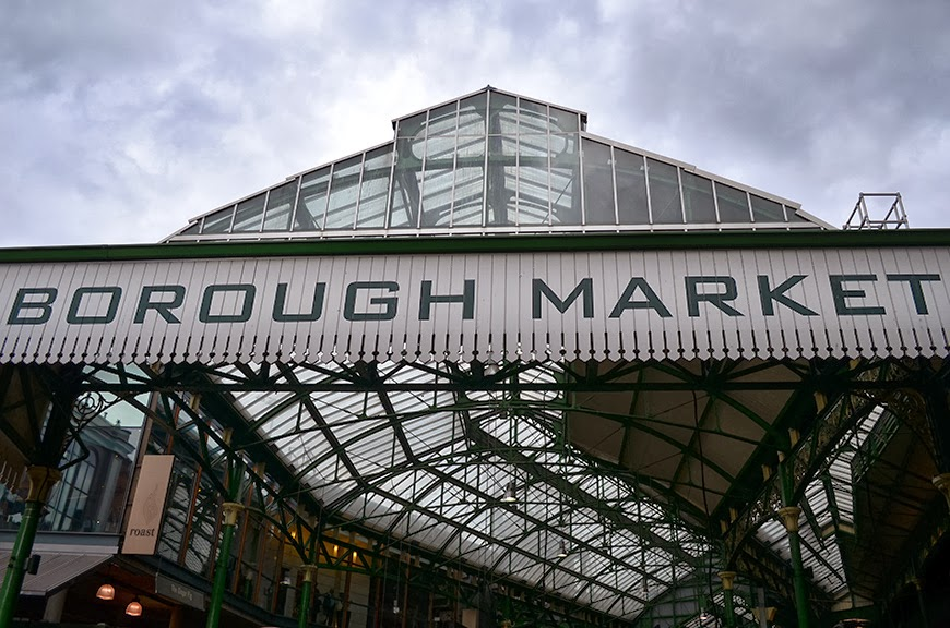 Borough Market Londres food farmers sellers fresh veg and fruits yummy Helloitsvalentine