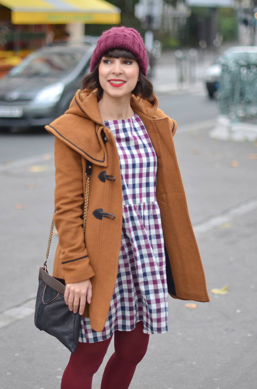 streetstyle Hello it's Valentine french fashion blogger Paris autumn fall duffle coat beanie dress boots