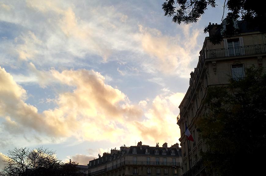 Sky sunset coucher de soleil Paris Place de la Nation clouds Hello it's Valentine Helloitsvalentine