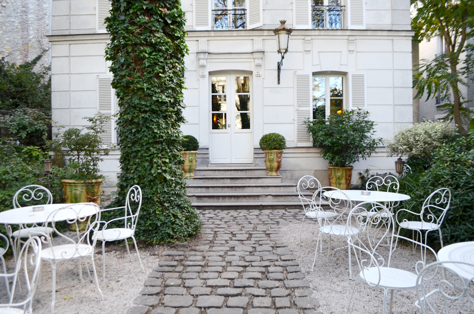 WHERE TO STAY IN PARIS ? – L'Hôtel Particulier Montmartre