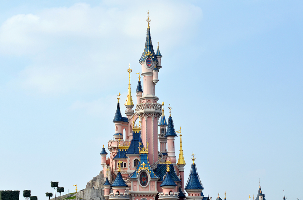 Helloitsvalentine_Disneyland_Spring_1