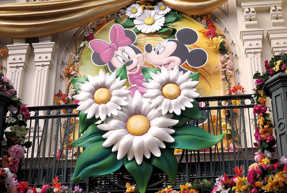 Helloitsvalentine_Disneyland_Spring_24