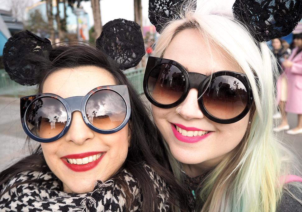 Helloitsvalentine_Disneyland_Spring_27