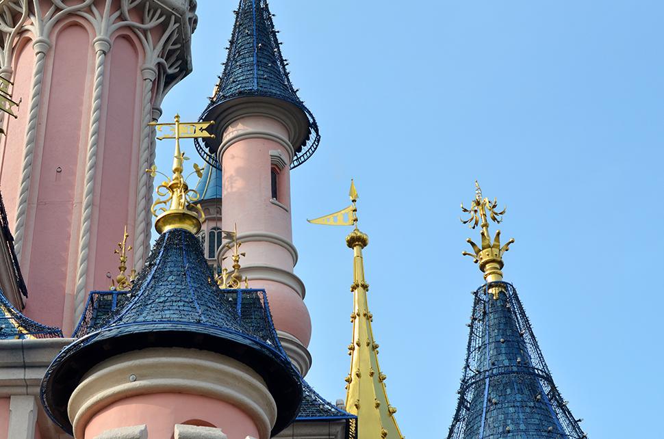 Helloitsvalentine_Disneyland_Spring_3