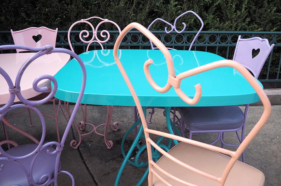 Helloitsvalentine_Disneyland_Spring_38