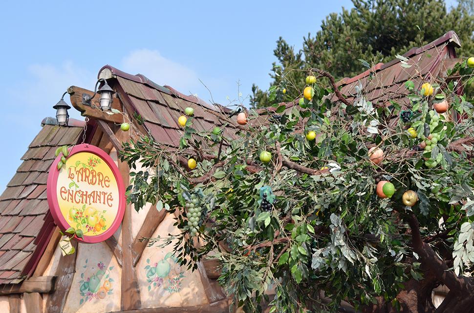 Helloitsvalentine_Disneyland_Spring_6