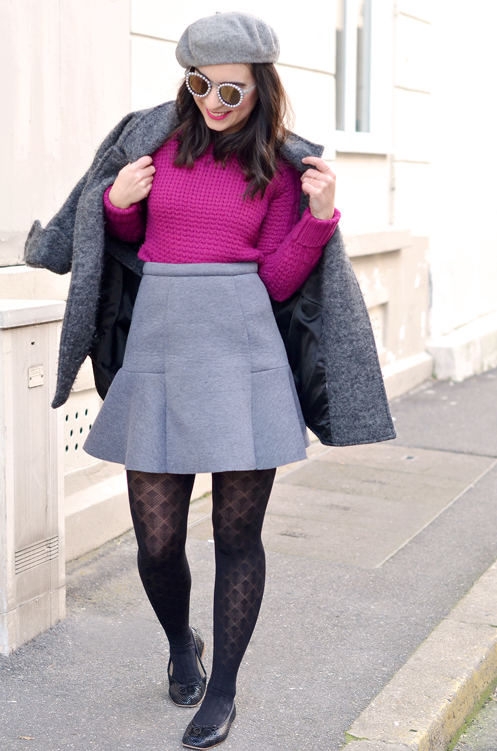 grey_outfit_pink_jumper_2