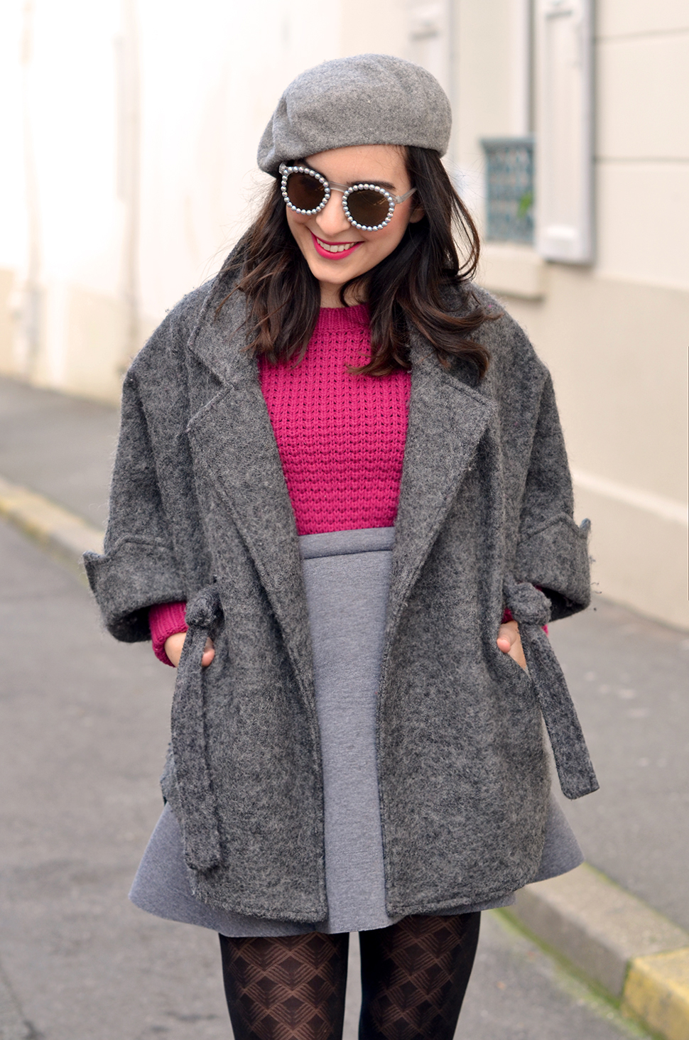 grey_outfit_pink_jumper_3