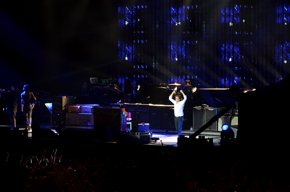 Helloitsvalentine_7Things_paulmccartney_concert_4