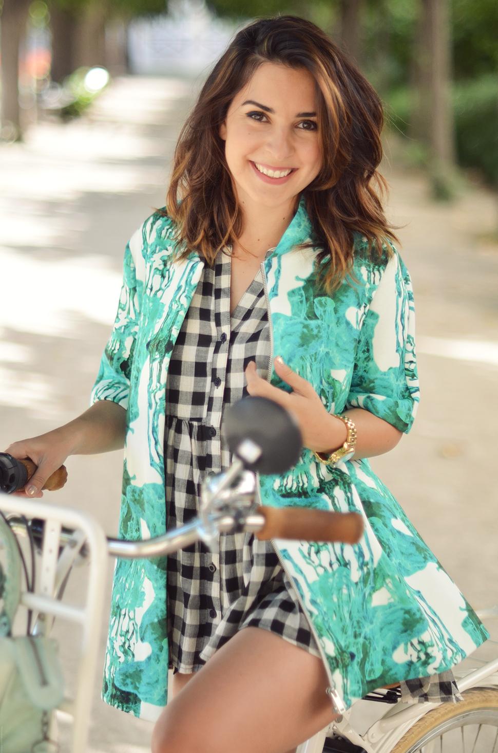 Helloitsvalentine_Anthropologie_look_bike_14