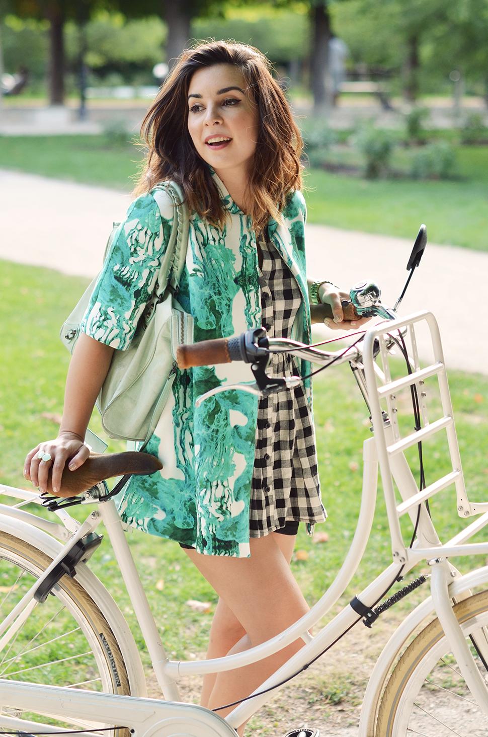 Helloitsvalentine_Anthropologie_look_bike_7
