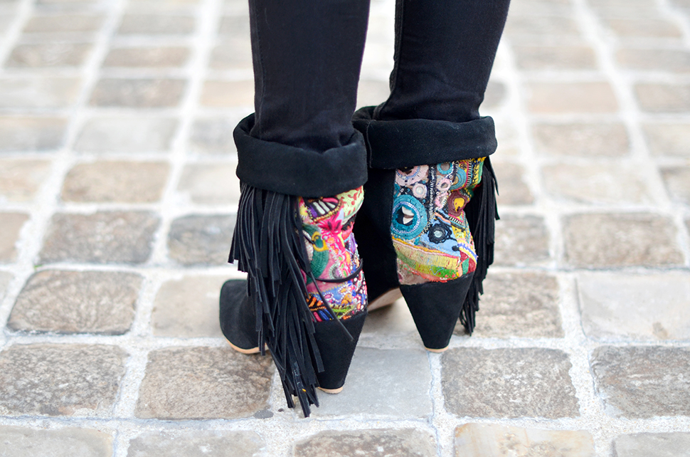 Helloitsvalentine_Pink_Kaki_SquirrelTienda_boots_4