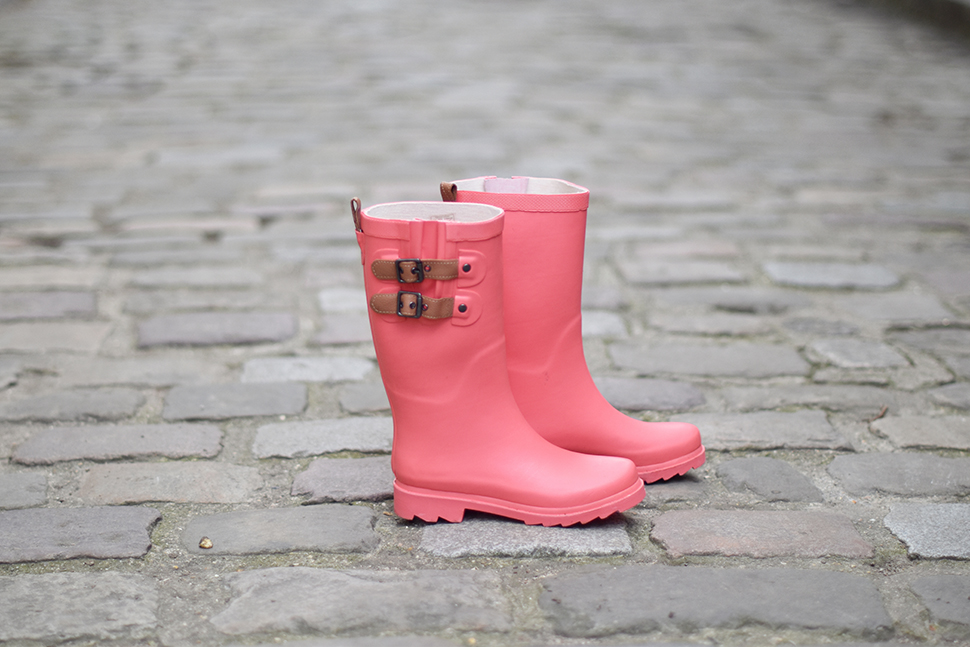 Helloitsvalentine_wellies_11
