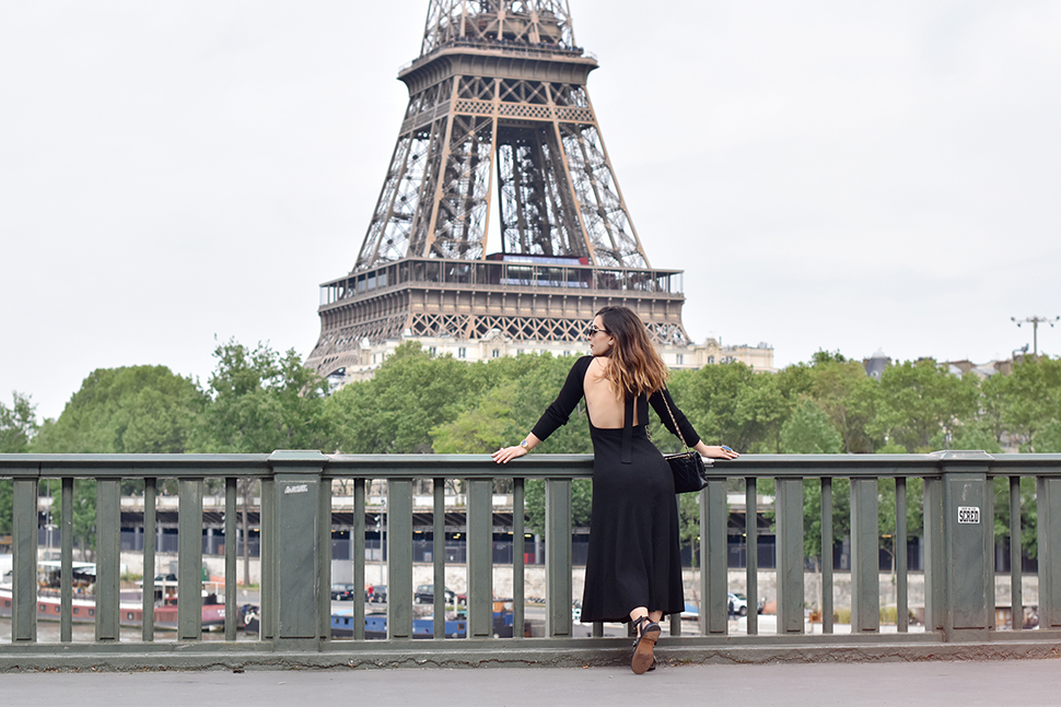Helloitsvalentine_blackdress_BirHakeim_Givenchy_sandals_1