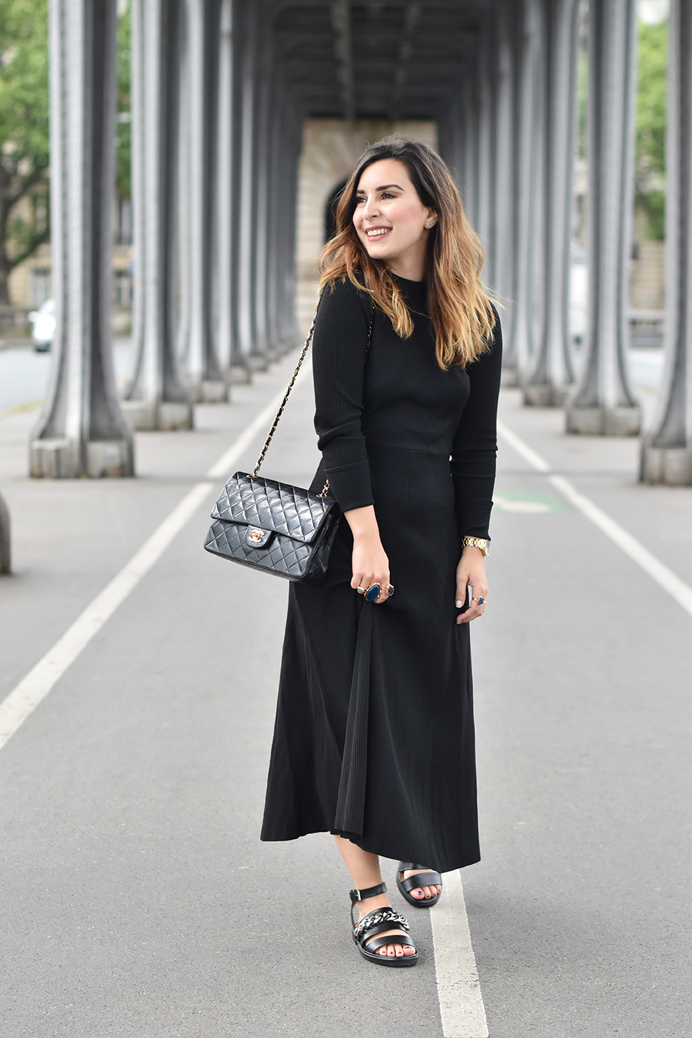 Helloitsvalentine_blackdress_BirHakeim_Givenchy_sandals_10