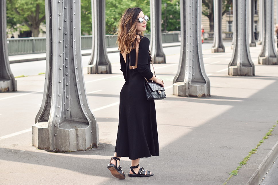 Helloitsvalentine_blackdress_BirHakeim_Givenchy_sandals_14