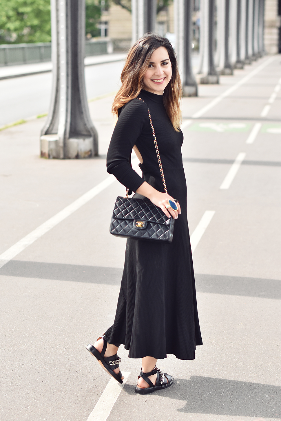 Helloitsvalentine_blackdress_BirHakeim_Givenchy_sandals_15