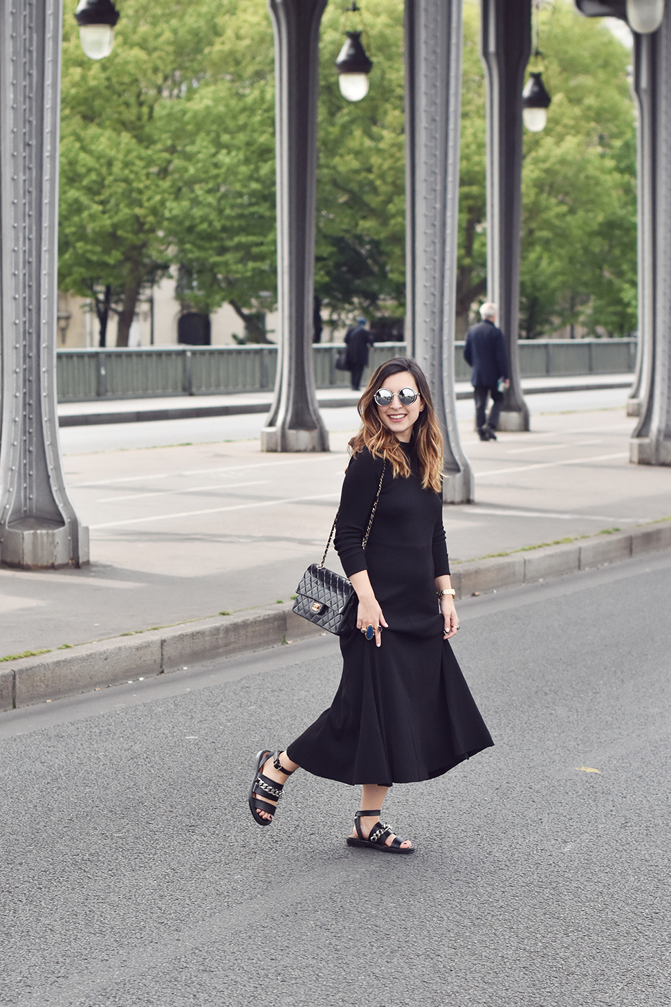 Helloitsvalentine_blackdress_BirHakeim_Givenchy_sandals_2