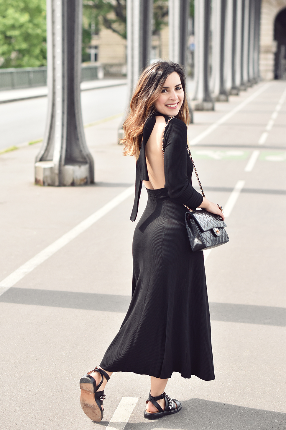 Helloitsvalentine_blackdress_BirHakeim_Givenchy_sandals_5