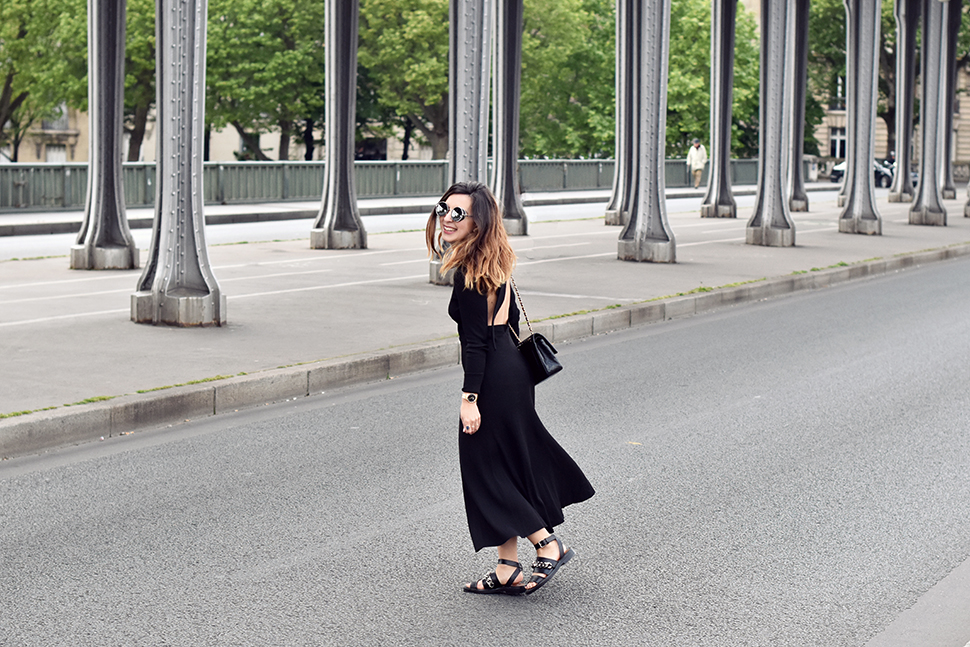 Helloitsvalentine_blackdress_BirHakeim_Givenchy_sandals_6