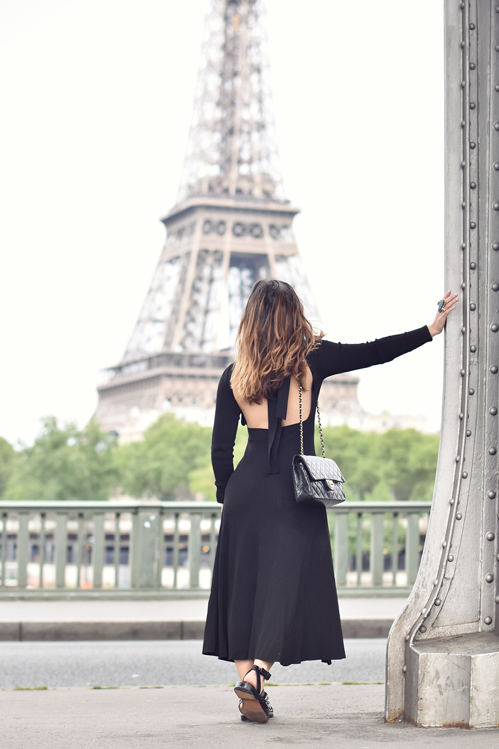 Helloitsvalentine_blackdress_BirHakeim_Givenchy_sandals_8