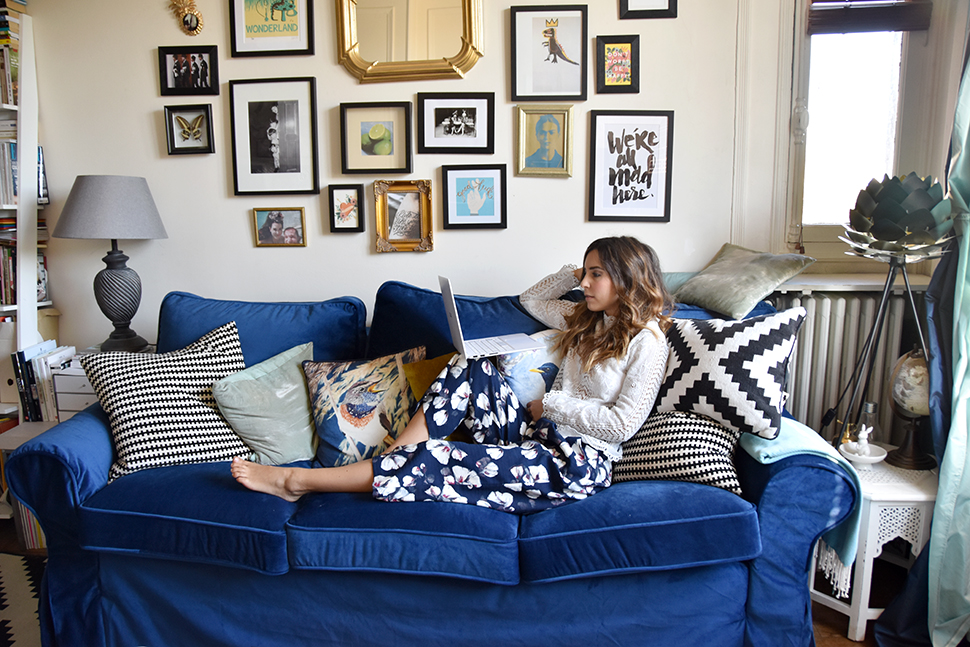 helloitsvalentine_blue_couch_comfortworks_5