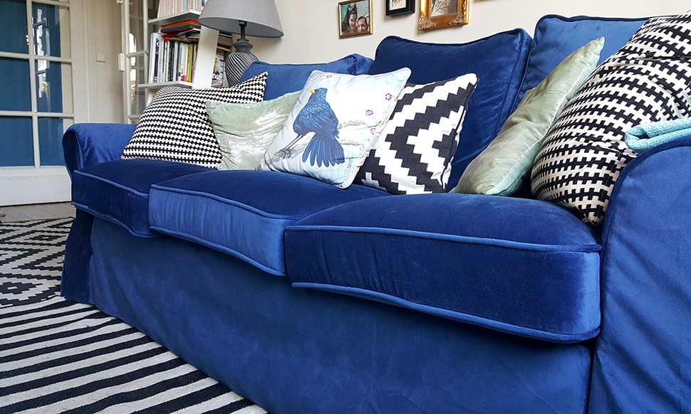 helloitsvalentine_blue_couch_comfortworks_7