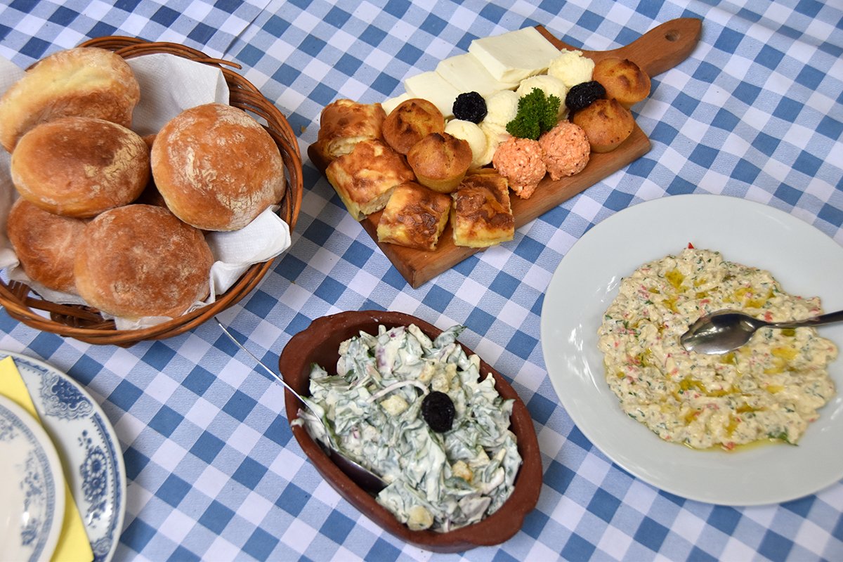 Road trip en serbie hello it 39 s valentine for Cuisine en locale