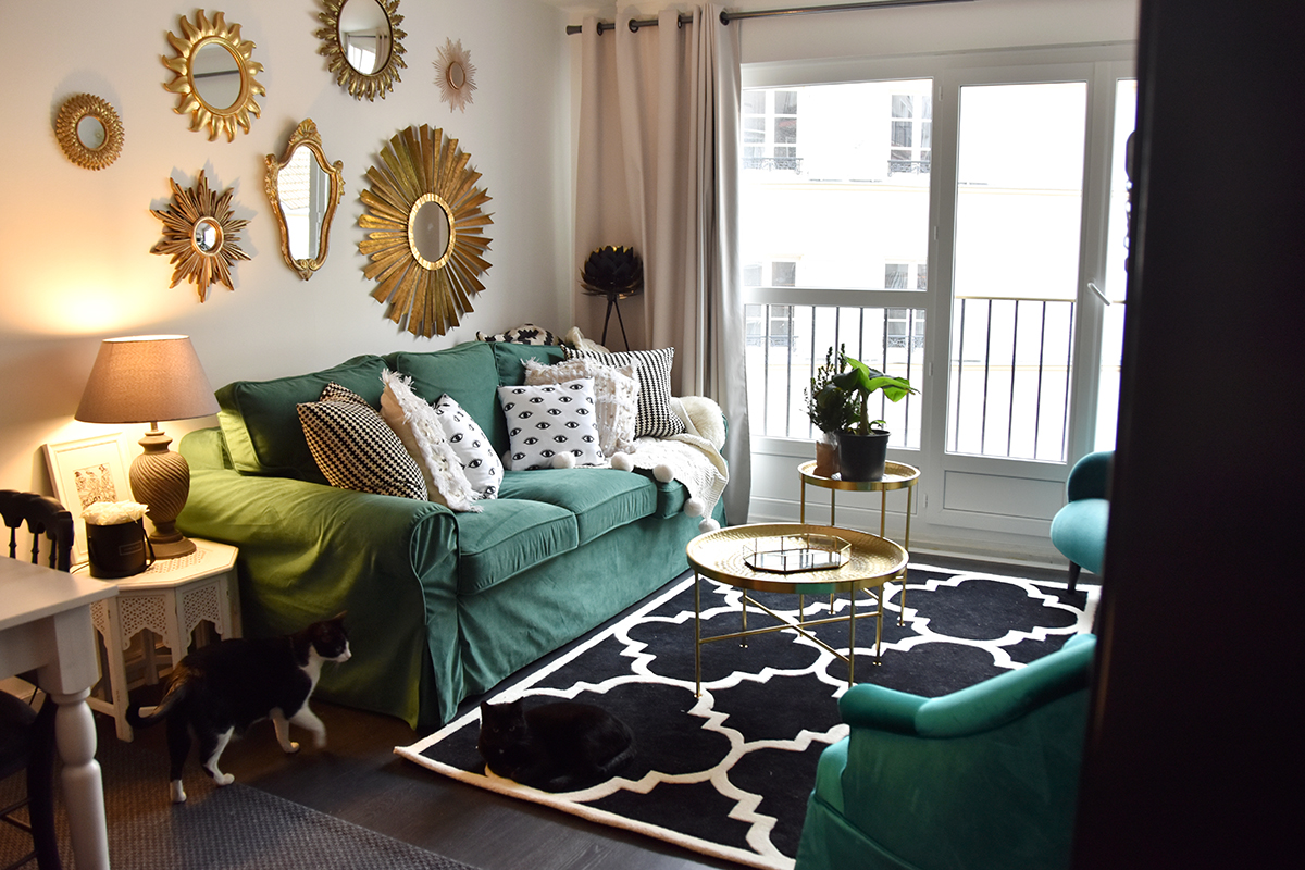 Home Staging Chambre Adulte green sofa cover : relooking de canapé | hello it's